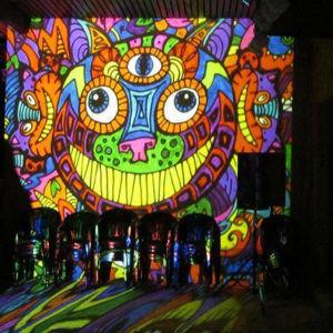 Fényfestés munkáink során nagy gyakorlatra tettünk szert rendezvények fénydekorálásában.